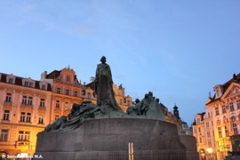 Прага. Памятник Яну Гусу на Староместской площади