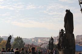 Прага. Статуи на Карловом мосту