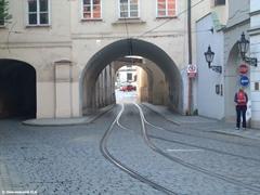 Место в Праге, где две колеи сходятся в одну