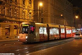 Прага. Трамвайный вагон Škoda 14T производства Škoda Works