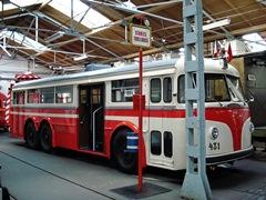 Прага. Троллейбус Tatra T400